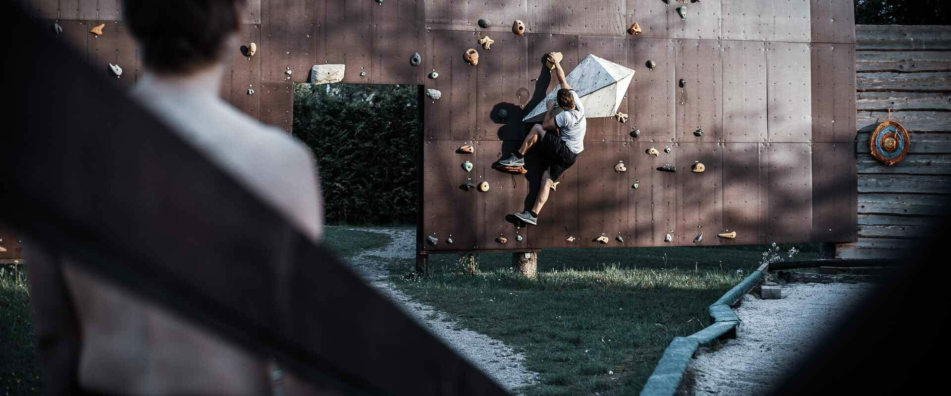 Outdoor-Kletterwand